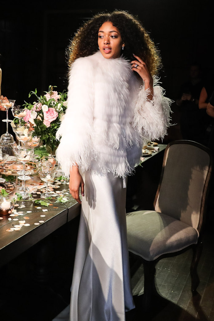 Monique Lhuillier Fall 2017 wedding fashion trends