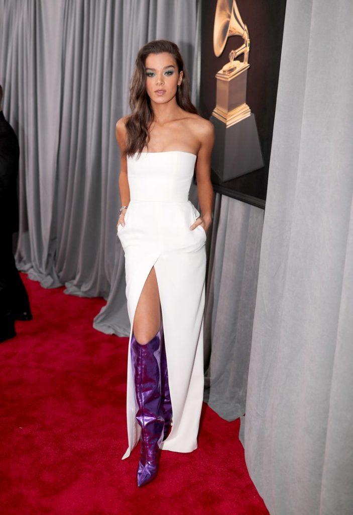 hailee steinfeld at the 2018 Grammy Awards