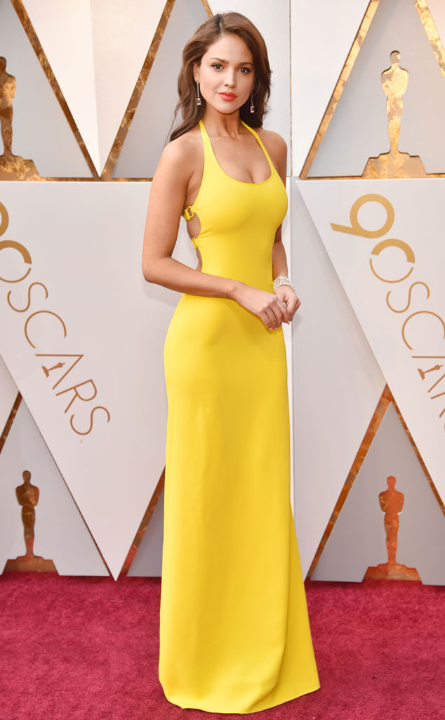 EIZA GONZÁLEZ pure and simple sunshine at the 2018 Oscars