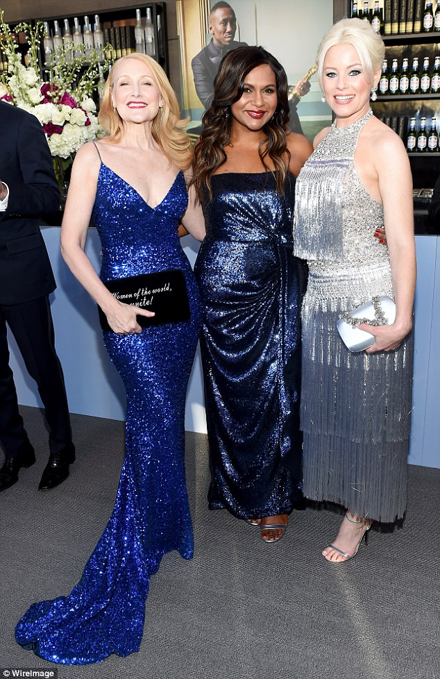 (L to R) Patricia Clarkson, Mindy Kaling and Elizabeth Banks at the 2018 Oscars