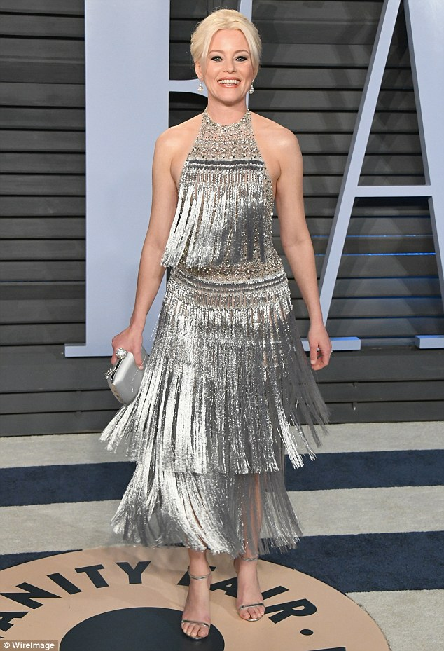 Elizabeth Banks shimmed and shook her way through the night in this retro Ralph & Russo flapper dress at the 2018 Oscars