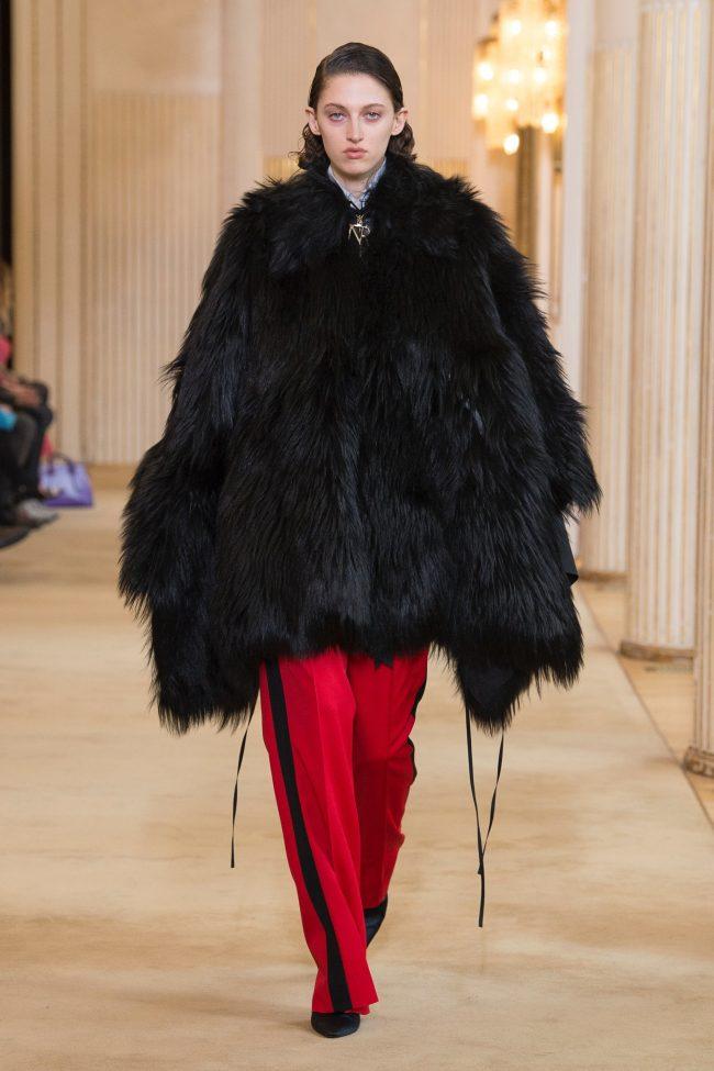 Nina Ricci RTW Fall 2018 - Paris Fashion Week