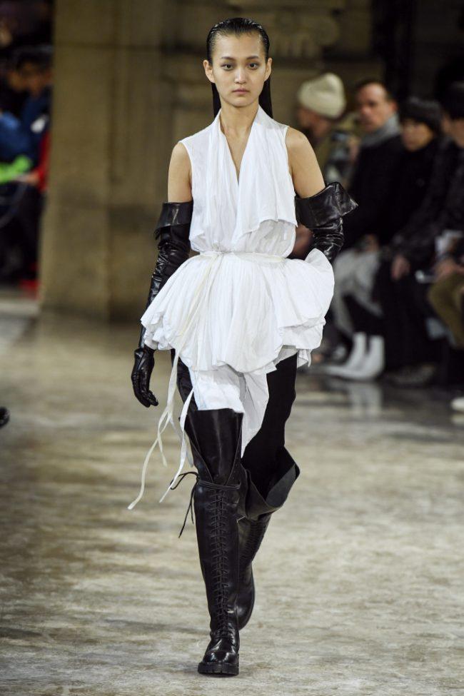 Ann Demeulemeester RTW Fall 2018 - Paris Fashion Week