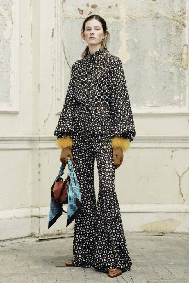 Mulberry RTW Fall 2018 - Paris Fashion Week