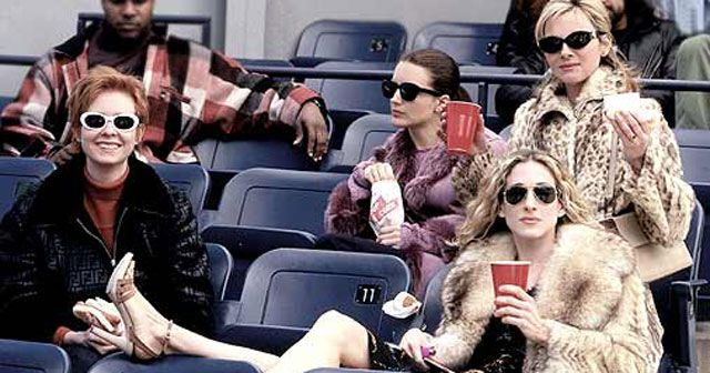 One of the show' most memorable fashion scenes from a Yankees baseball game in season 1