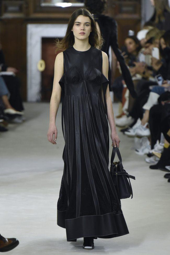 Loewe RTW Fall 2018 - Paris Fashion Week