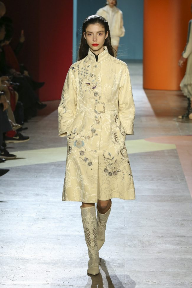 Shiatzy Chen RTW Fall 2018 Paris Fashion Week