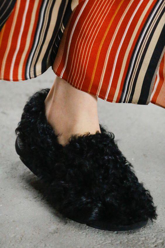 Giambattista Valli Fall 2018 Shoes