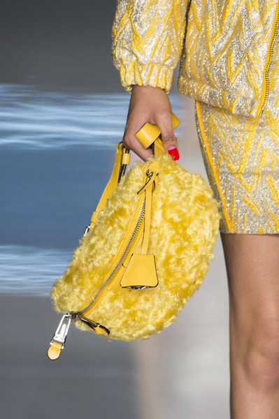 Moschino Fall 2018 handbags for fall 2018