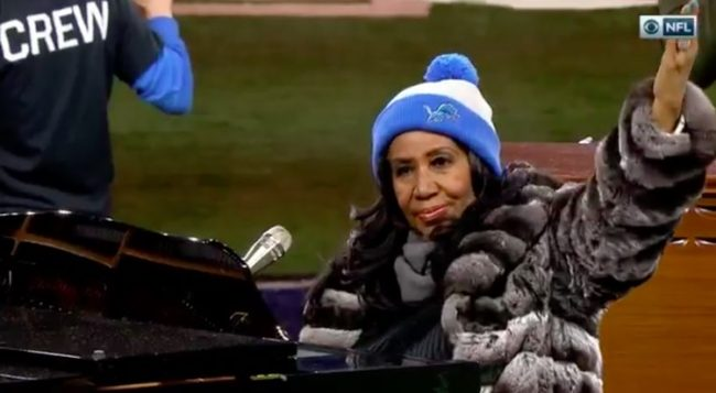 Thanksgiving Day 2016 Aretha Franklin sang the longest rendition of the national anthem In U.S. history clocking in at 4 minutes and 55 seconds during the matchup between the Detroit Lions and Minnesota Vikings