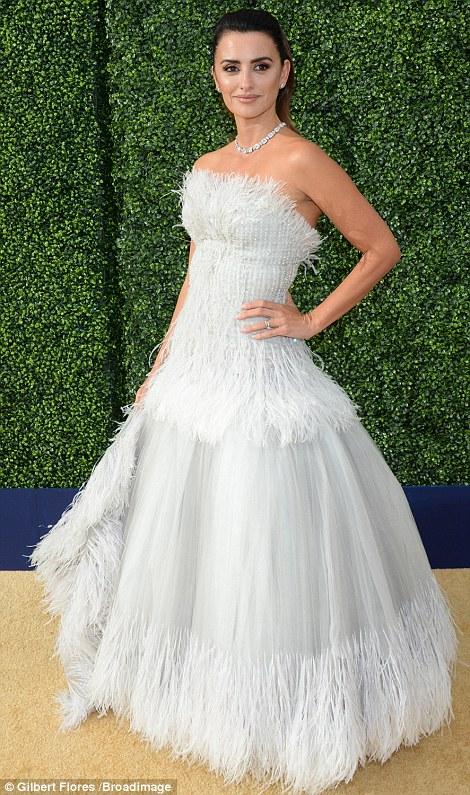 Penelope Cruz at2018 Emmy Awards