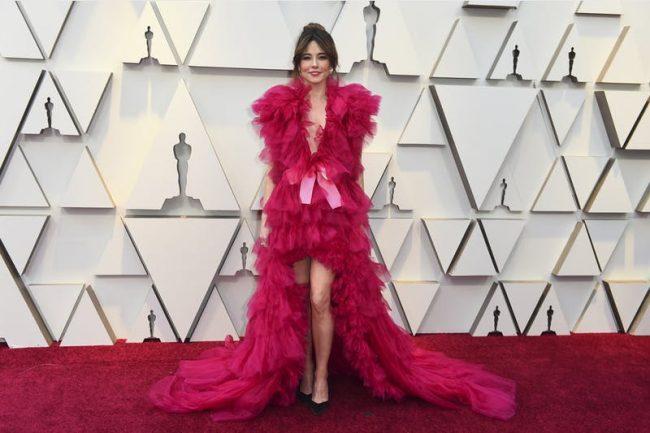 Linda Cardellini In Schiaparelli Haute Couture at 2019 Oscars