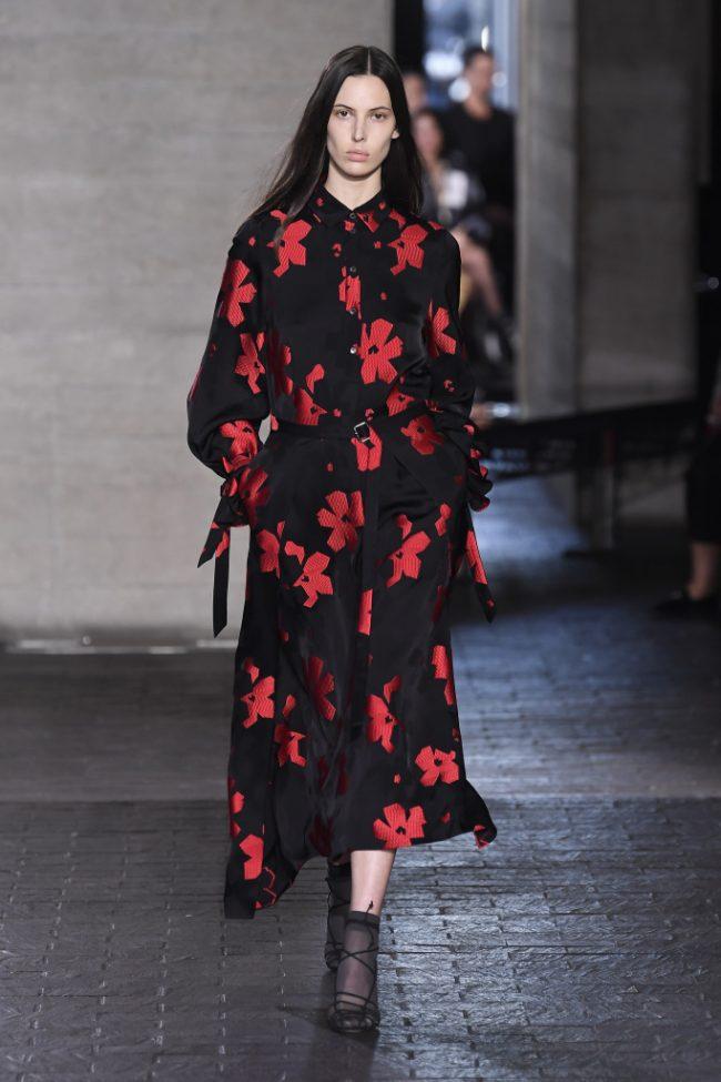 Roland Mouret RTW Fall 2019 London Fashion Week