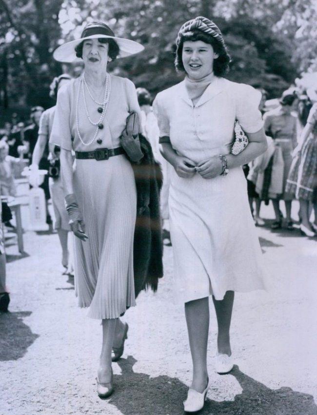 1938 Gloria Vanderbilt with Gertrude Vanderbilt Whitney