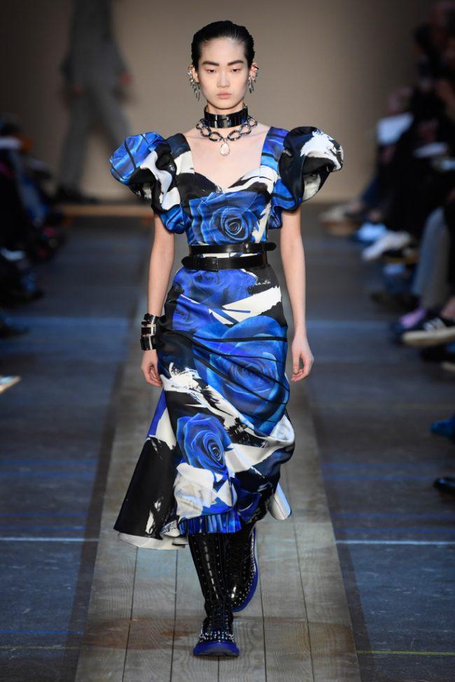 Alexander McQueen RTW Fall 2019 PARIS Fashion Week