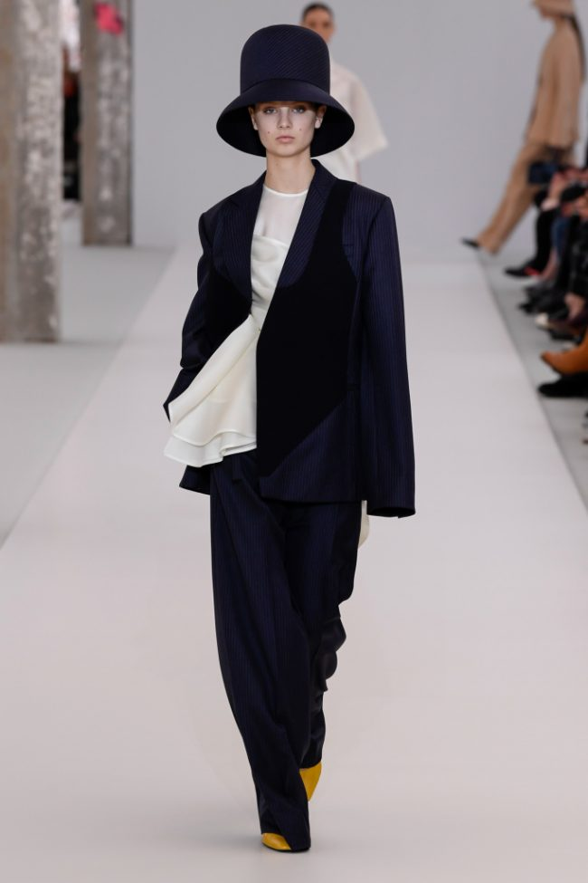 Nina Ricci RTW Fall 2019 Paris Fashion Week