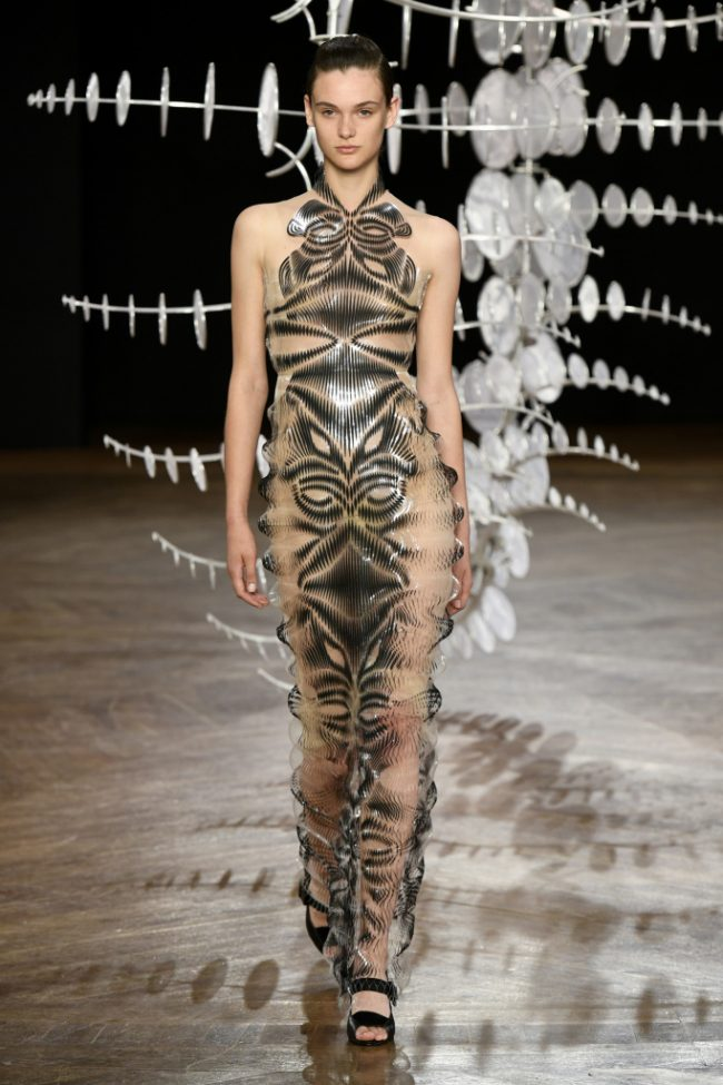 Iris van Herpen Fall 2019 Paris Couture