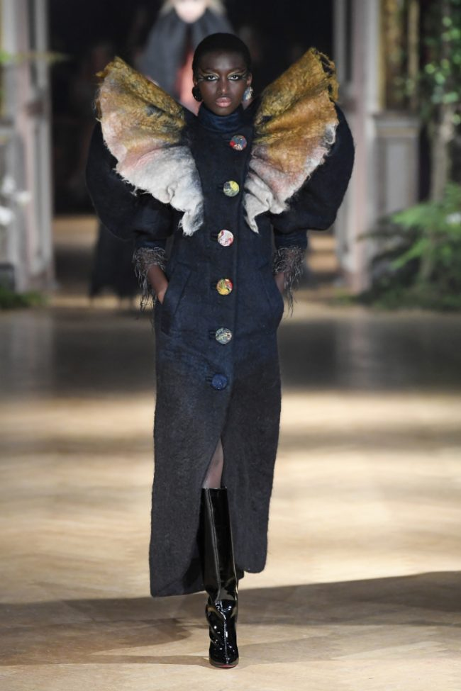 Viktor & Rolf Haute Couture Fall 2019 Paris Couture